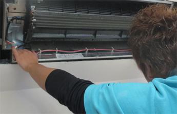 天井吊型エアコンクリーニング